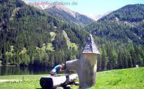 Ein Brunnen am Etrachsee